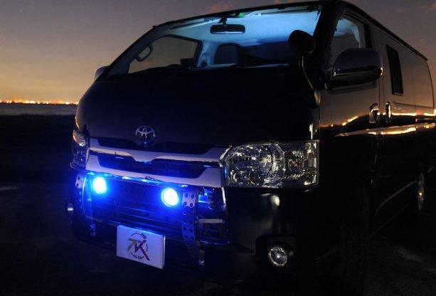 200系ハイエース 4型用 LED DOTARM(フォグランプ付きランプステー)