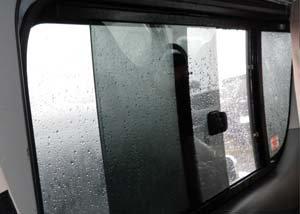 200系1〜3型(H16年8月〜H25年11月)ハイエース用バグネット(網戸)−シルバー 【画像9】
