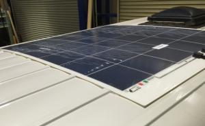 車載用(薄型)ソーラーパネル・コントローラ−・専用ケーブルキット