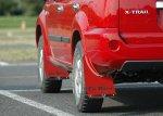 エクストレイルT30系用マッドフラップ赤色の装着写真追加