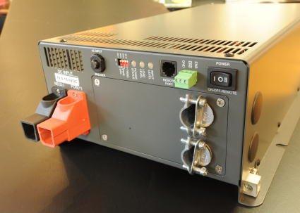 1500w正弦波インバーター 自動切り替え内蔵を説明する写真