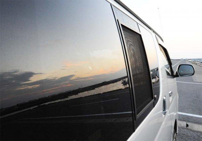 200系1〜3型(H16年8月〜H25年11月)ハイエース用バグネット(網戸)−ブラック【画像2】