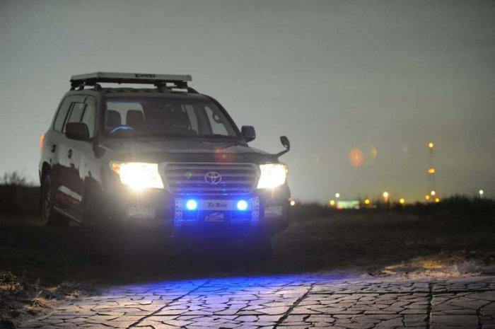 ランクル200用ランプステーLED DOTARM