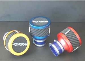 エアクリーナー「RUSHフィルター」は3色の設定あり