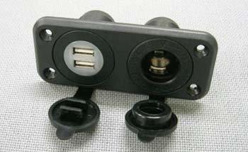 USBポートとシガーソケット