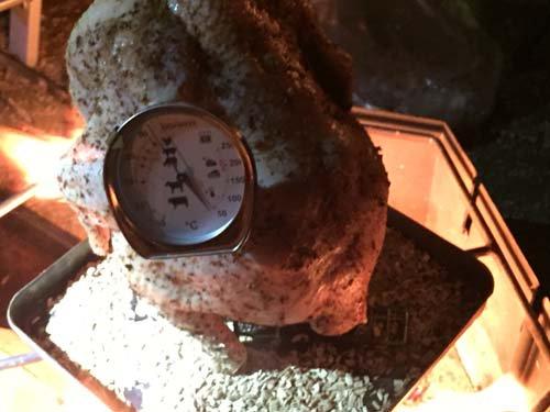 ビア缶チキンの作り方 中の温度をチェック