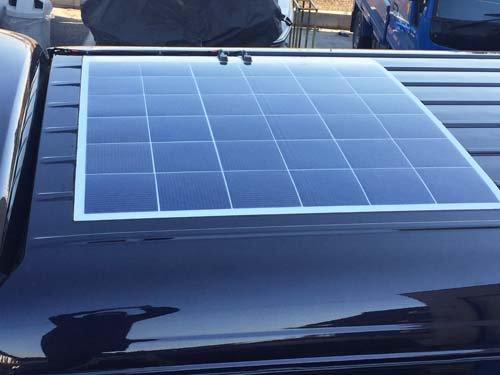 200系ハイエースに154Wの薄型ソーラーパネルを取り付けしました