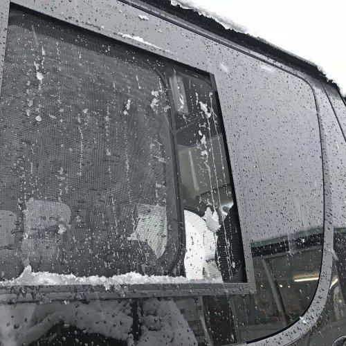 ハイエースのバグネットは雪が入ってくるのも抑えてくれます