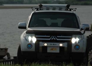 V80パジェロ用V90パジェロ用 LED DOTARM LEDフォグランプ内蔵ランプバー