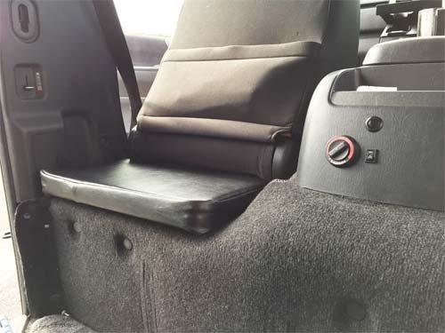 OZABU(運転席・助手席裏を座席にする為用クッション)