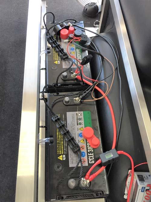 サブバッテリーの収納を考えたベッドキット