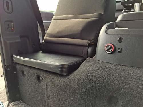 運転席の後ろと助手席の後ろ用サブとん