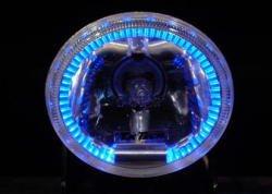 フォグランプの回りにブルーリングのLEDが光る