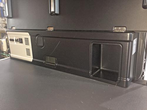 200系ハイエース モデリスタ コンプリート車にベバストFFヒーター取付