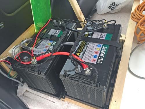 ハイエースにディープサイクルバッテリー増設のご依頼