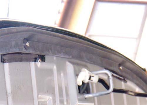 V90パジェロ用バグガードは取り付けが簡単