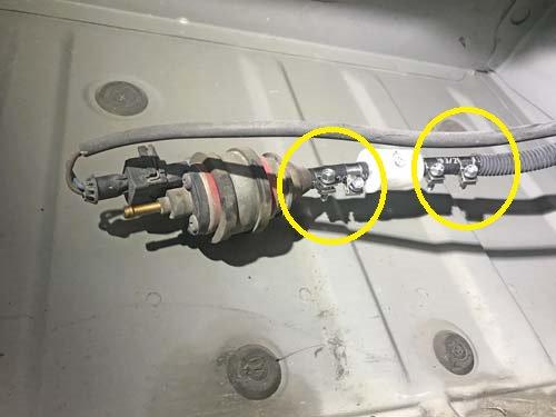 ベバストFFヒーターの燃料ボムホースから燃料漏れ