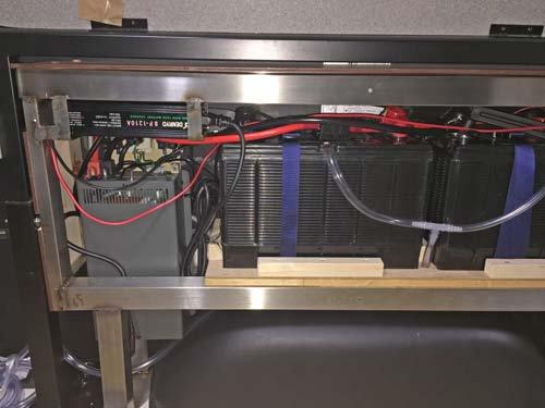 ハイエースにバッテリー2台インバーター等の電装品を取付しました
