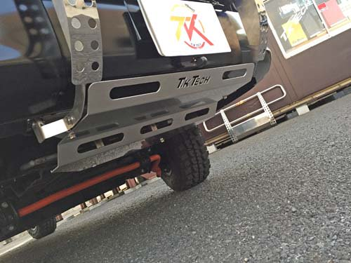NV350キャラバンにアンダーガードを装着