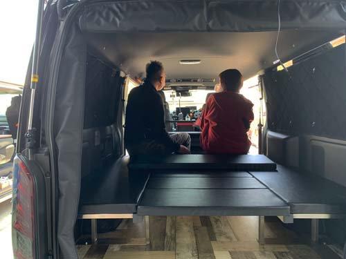座れる車中泊ベッド-NV350キャラバン用【画像11】