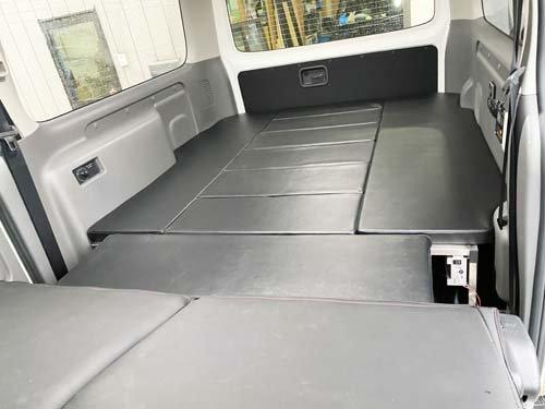 座れる車中泊ベッド-NV350キャラバン用【画像5】