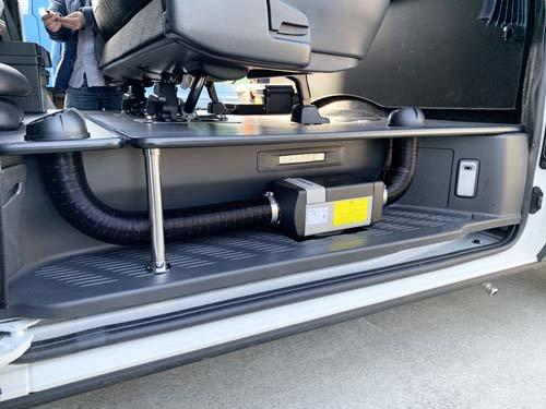 200系ハイエースのステップにベバストFFヒーターを取付