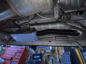 ベバストヒーターの車体下取付の参考画像