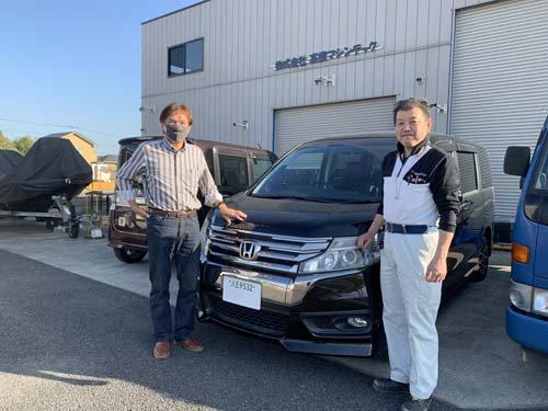 東京都Iさんのステップワゴンスパーダにベバストヒーターや電装品を取付しました