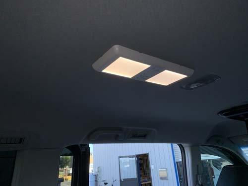 ステップワゴンスパーダに天井ライトを取り付けました