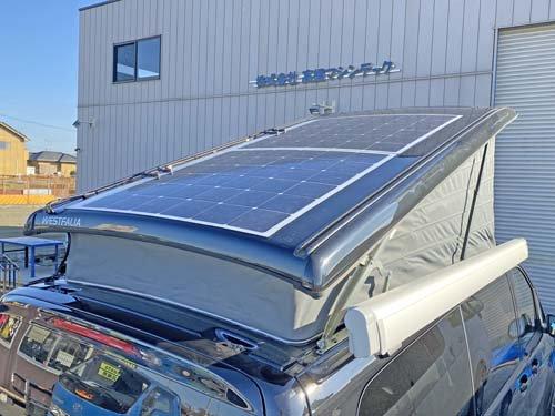 ポップアップルーフに薄型ソーラーパネルを施工しました