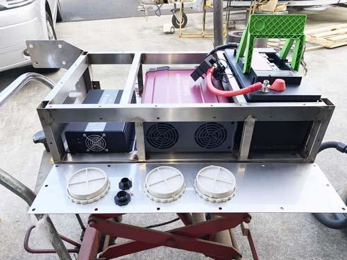 ベンツマルコポーロに取り付けるステンレスBOXを製作