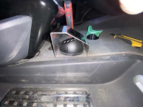 フォルクスワーゲンT5に施工したベバストヒーターの吸気グリル