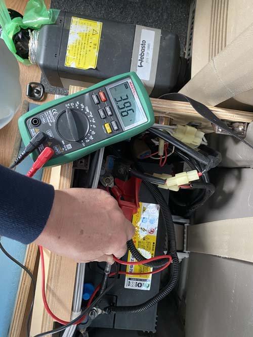 グランドハイエースに付いているベバストヒーターAT2000Sのコンピューター診断をしました