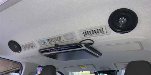 ハイエースで車中泊中に使えるスピーカーを取付