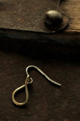 Brass Teardrop Pierce