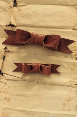 Brown Leather Ribbon Brooch