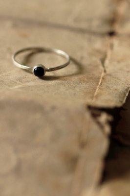 Onyx Kyasha Silver Ring