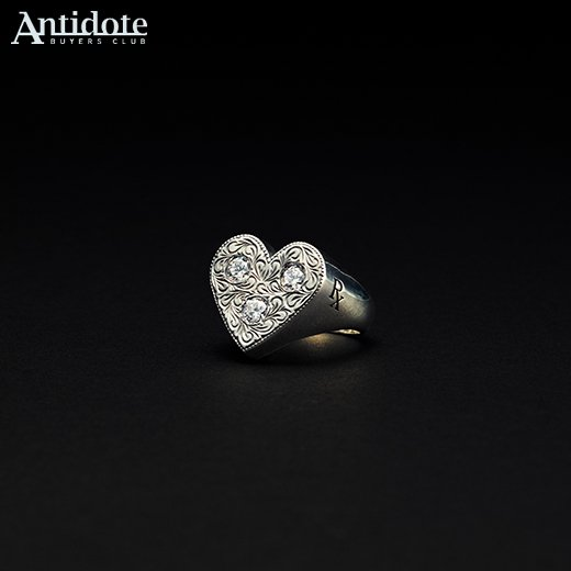 RX-046 Engraved Heart Ring<img class='new_mark_img2' src='//img.shop-pro.jp/img/new/icons50.gif' style='border:none;display:inline;margin:0px;padding:0px;width:auto;' />