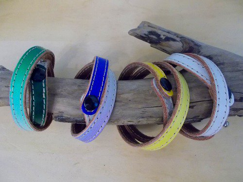 【Marvelous Staff】 GRADATION LEATHER SPIRAL BANGLE