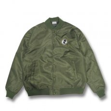 OCULARGE NYLON STADIUM JACKET [OLIVE]