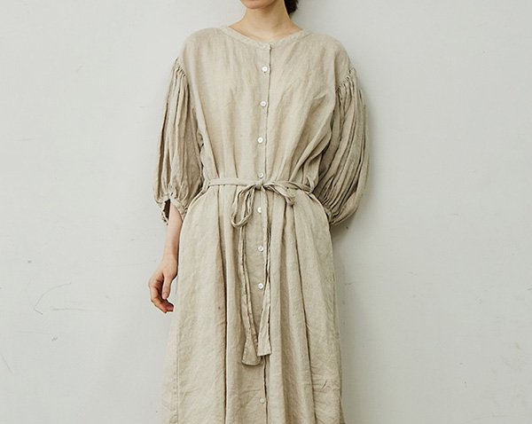 puff-sleeve one-piece