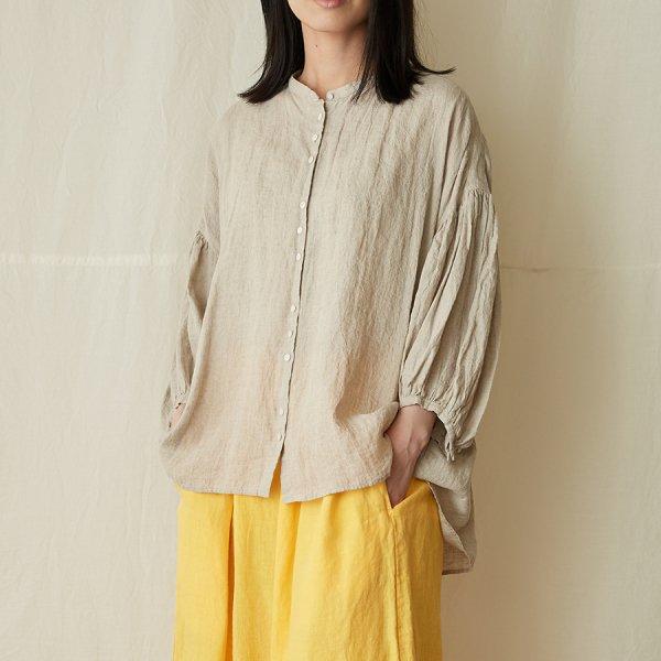 lantern-sleeve blouse