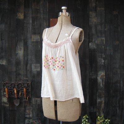 nesessaire ルーマニア刺繍キャミソール(ナチュラル) MD0112-KM