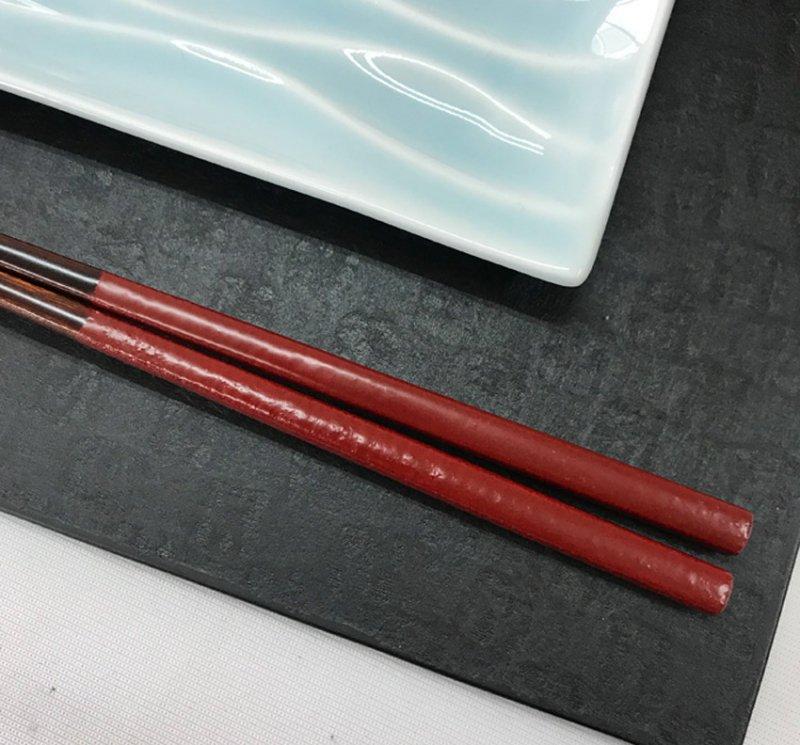 伝統工芸士こだわりの漆塗り箸 古代朱 贈り物に最適 写真その1