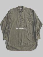 【COMOLI】ベタシャンプルオーバーシャツ (OLIVE)