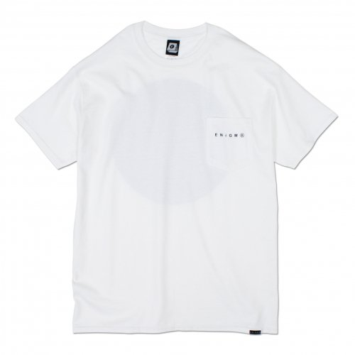 ENiGMa (エニグマ) LOGO POCKET TEE (WHITE)