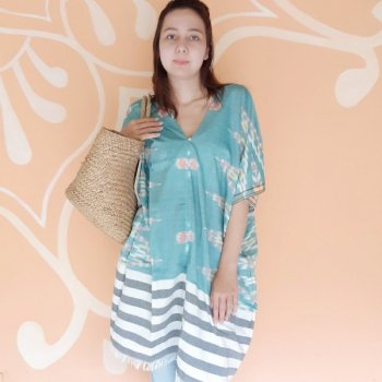 <img class='new_mark_img1' src='https://img.shop-pro.jp/img/new/icons1.gif' style='border:none;display:inline;margin:0px;padding:0px;width:auto;' />BALI SARONG TUNIC / GREEN