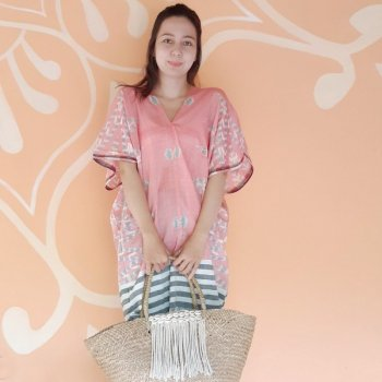 <img class='new_mark_img1' src='https://img.shop-pro.jp/img/new/icons1.gif' style='border:none;display:inline;margin:0px;padding:0px;width:auto;' />BALI SARONG TUNIC / RED x GREEN