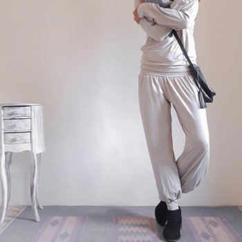 <img class='new_mark_img1' src='https://img.shop-pro.jp/img/new/icons1.gif' style='border:none;display:inline;margin:0px;padding:0px;width:auto;' />PANTS MANIS LONG BAMBOO / BEIGE