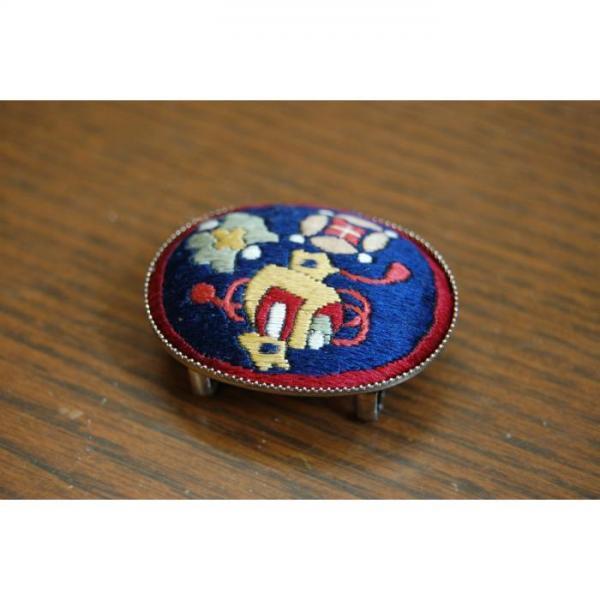 帯留め 刺繍(紺)